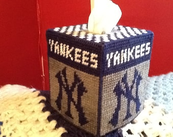 New York Yankees plastic canvas tissue box cover