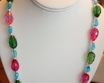 Pastel Fashion Beads and Pearls Necklace
