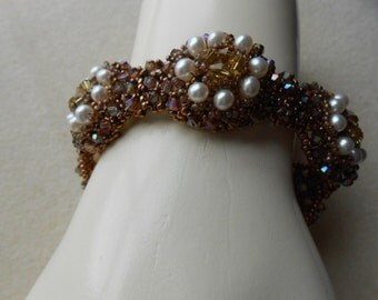 Romantic Holiday Bracelet with Pearls and Swarovski