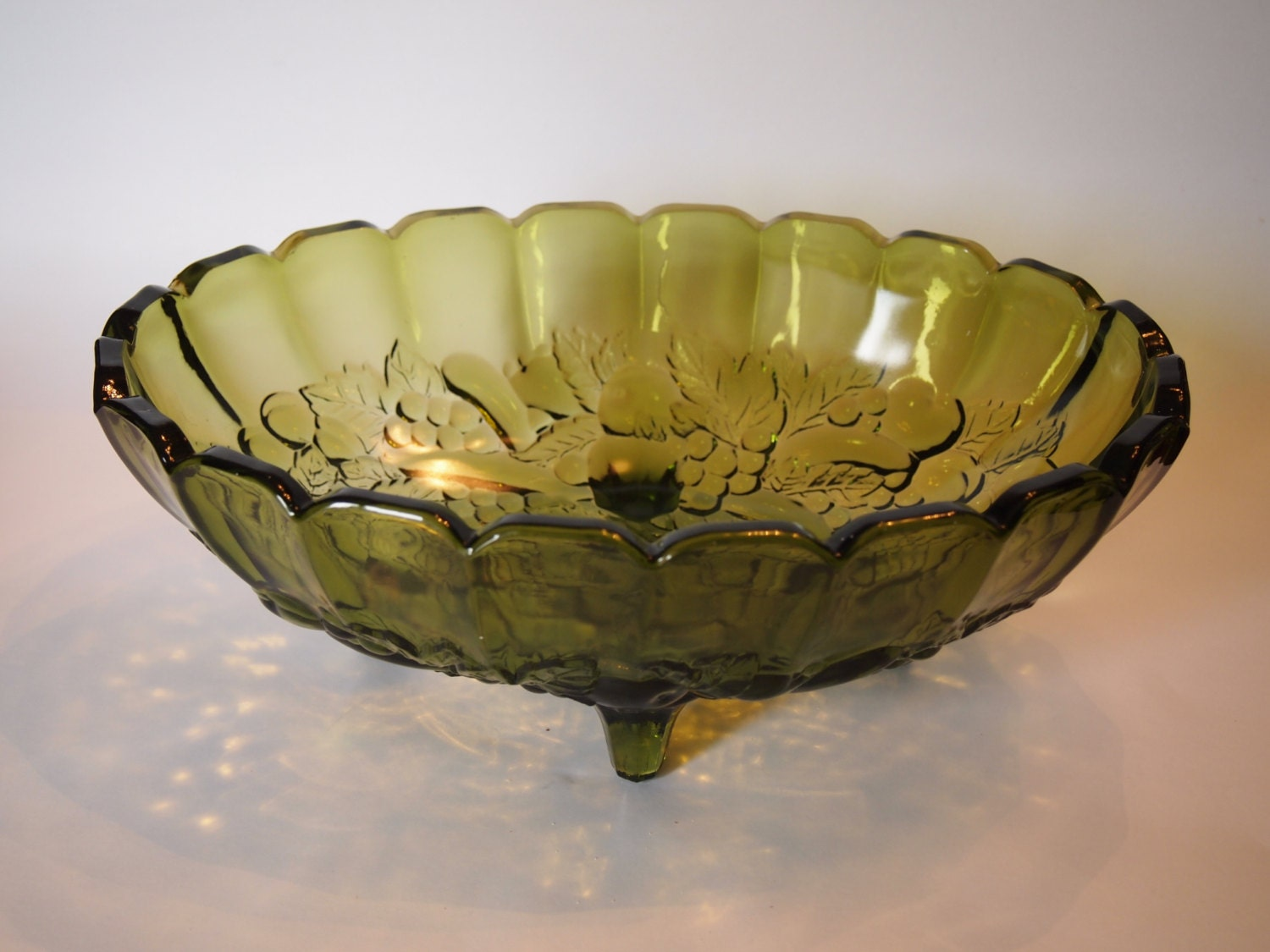 Avocado glass footed fruit bowl indiana glass centerpiece - Footed bowl centerpiece ...