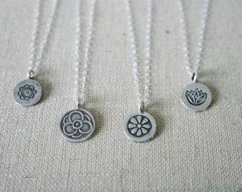 Floral Hill Tribe Silver Necklace set //