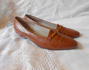 80s Vintage Shoes Horsebit Loafers Heeled Brown Supple Leather  9.5 M  Slip Ons