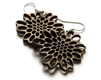 Earrings / earcuffs - lasercut wooden earrings