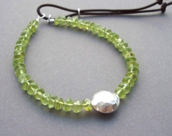 Peridot Yoga bracelet, green beaded Friendship bracelet, adjustable closure, green Hippie Bracelet