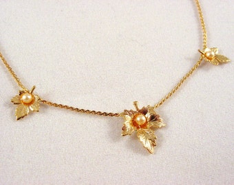 Celebrity NY Leaf and Faux Pearl Choker (vintage retro 60s 70s dainty small little pretty child girl wedding bridal necklace gold tone cute)