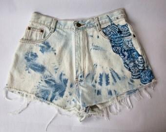 Vintage High Waist Blue Tie Dye Bleached Distressed Denim Cut Off Cat Shorts