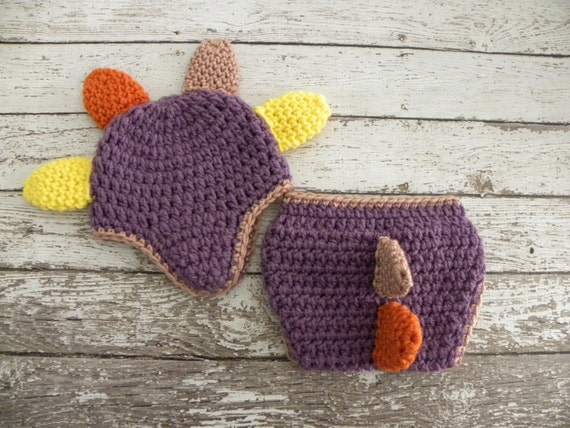 Crochet Dinosaur Hat And Diaper Cover Pattern : Babygirl crochet DINO hat and diaper cover. Dinosaur hat and
