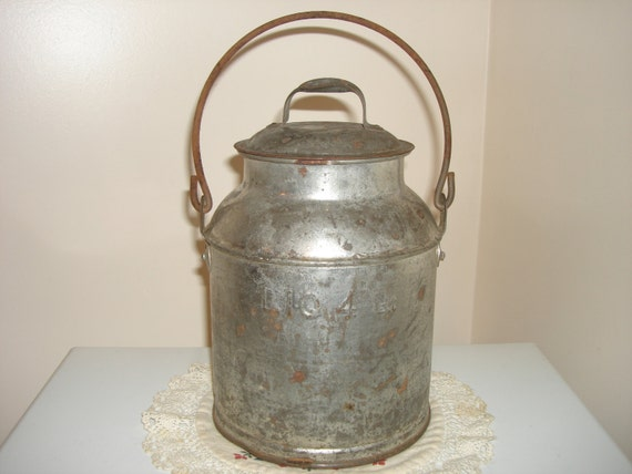 Antique Tin Milk Can 4 Quarts With Lid 1940 S By Tessesattic