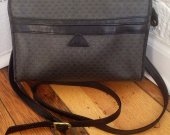 80s Liz Claiborne Navy and Gray Logo Purse