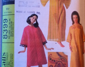 McCall's Vintage Robe Pattern 8399