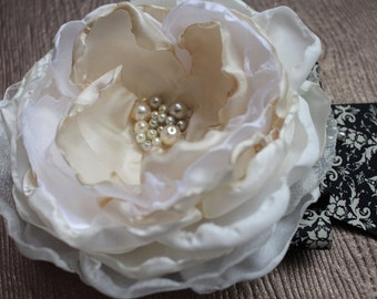Large Flower with Pearls and Ribbon, Elegant Headband, Baby Girl Hair Accessory, Photo Prop, Oversized Flower Headband, Hair Bow