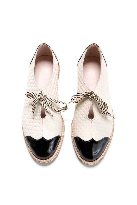 Summer Sale 30% off Oxford flat shoes - white and black oxford shoes - tie oxford shoes - Handmade by ImeldaShoes