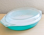 Pyrex Turquoise Oval Casserole with Golden Scroll Lid Promotional 1 1/2 Quart