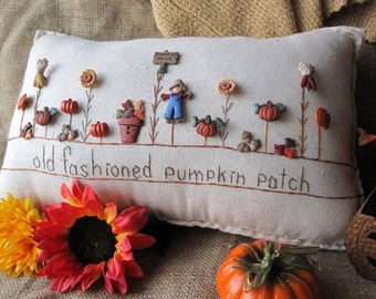 Old Fashioned Pumpkin Patch Pillow (Cottage Style)