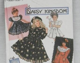 Simplicity #8086 Daisy Kingdom pattern Size HH 3-6