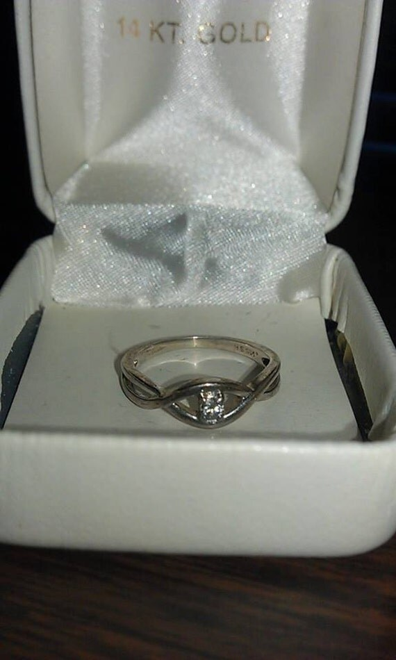1KT Diamond Ring 14KT White Gold Band Size 8