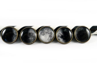 Moon Phase Button Set (5)