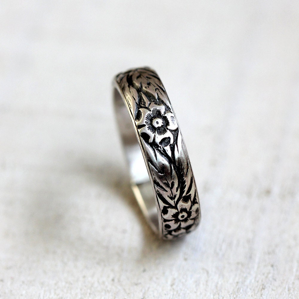 Floral Bands: Floral Pattern Sterling Silver Woman's Wedding Band Silver