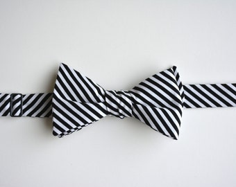 Black and White Stripes Bow Tie for Men, free style bow tie