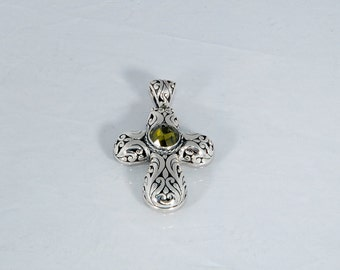 Handcrafted sterling silver cross pendant, Byzantine design