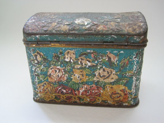 Antique Victorian Russian Litho Tea Tin Caddy Cabbage Roses