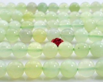 47 pcs of New Jade smooth round beads in 8mm