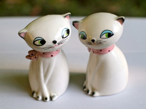 Vintage Kitsch Holt Howard Siamese Cats Salt and Pepper Shakers