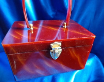 VINTAGE Wilardy Tortoise Swirl LUCITE Box Purse with Gold Metal Trim B31