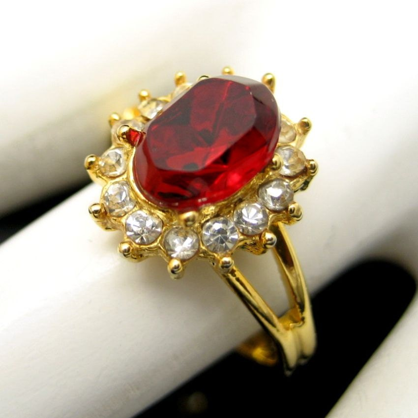 Vintage Red Oval Glass Solitaire Cocktail Ring Rhinestones Size 7