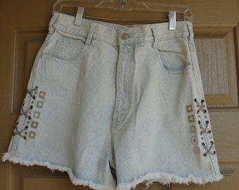 Vintage pastel blue 80s 90s zip up high waisted studded jean shorts with chains medium large size 13 1980s 1990s 13 inch rise