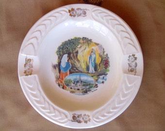 """Lourdes Souvenir vintage ashtray """"Veritable Porcelaine"""" white body and colour Bernadette motif and gold trim"""