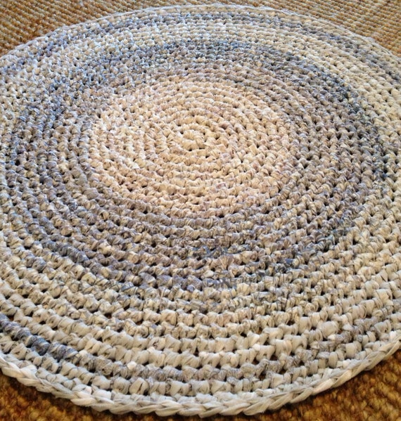 Crocheting Round Rugs : Handmade Round Crochet Floor Rug using Vintage Bedlinen in Soft Lilac ...