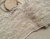 Beige Crocheted Antique Lace Ecru Cotton Lace Trim Retro Design Lace 1 Yard