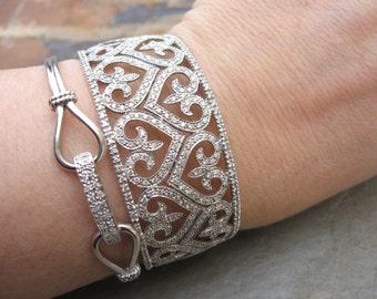 Estate Vintage 14 KT  White Gold Filigree Pave Diamond Heart Fleur de Lis Scroll Hinged Bangle Cuff Bracelet