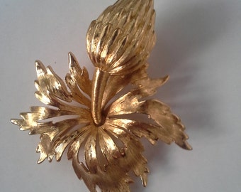 Vintage Flower Pin / Brooch Gold by Monet