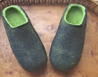 Felt Slippers Men  Wool Home Shoes Black with Green