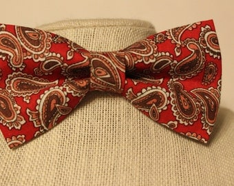 Red Paisley Bow Tie