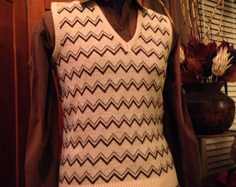 Nice Chevron Patterned Knit Vest
