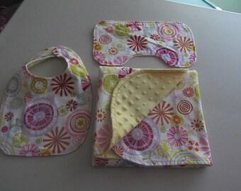 Minki receiving Blanket Gift Set!