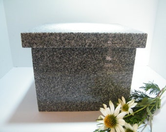 Urn/Memorial Urn/ Cremation Urn/Granite Vault Construction