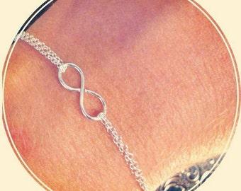 Dainty bracelet - Infinity or Nest