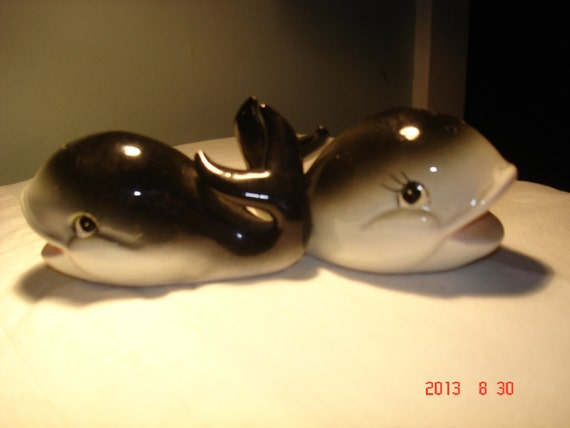 Vintage Whale Salt And Pepper Shakers By Gracielynnboutique