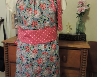 Ladies Vintage look Apron
