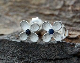 Silver Flower Studs, Sapphire Stud Earrings, Blue Sapphire Studs Earrings, Blue Sapphire Earrings, Birthstone Earrings, Nature Jewellery 925