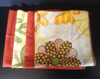 set of 4 vintage l970's cloth napkins - 2 patchwork floral & butterflies, and 2 solid