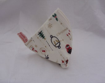 Cute pyramid purse with lovely Christmas bauble design