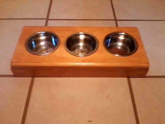 handmade pet bowl holder with a nice stainless steal bowls - photo#10