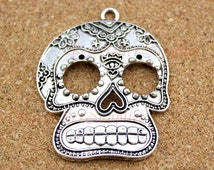 2 PCs- Steampunk Skull Charm, Sugar Skull Pendants, Floral Skull, Skull Pendant, Day of the Dead, Large Size, Fittings, Accessories, 51*40MM