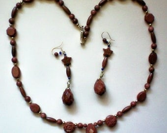 Glittering Sandstone necklace & Matching Pierced Earrings -2841