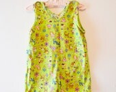 Vintage Bright Green Cat and Flowers Jumper 1970s (4/5T)